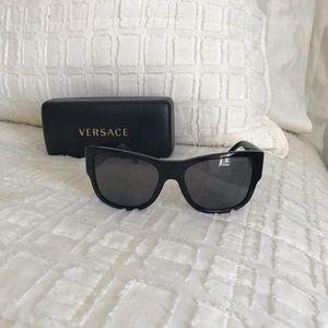 2863fa9a582 Versace Accessories - VERSACE VE4275 POLARIZED